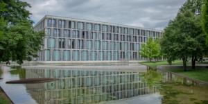 Urteil des Bundesarbeitsgerichts: Rückforderungsansprüche gegen ehemalige freie Mitarbeiter in Scheinselbstständigkeit - Ecovis Düsseldorf, Köln und Langenfeld