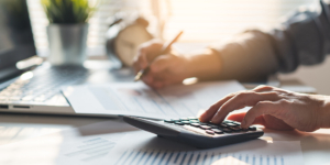 Sind Überziehungszinsen nach Ablauf des Kreditvertrags zulässig? - Ecovis Düsseldorf, Köln und Langenfeld
