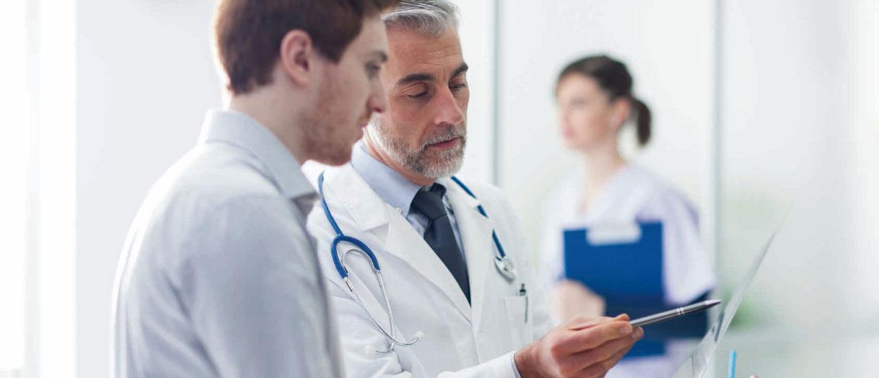 Wann sind Ärzte Freiberufler und wann Gewerbetreibende?