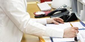 Praxis-Mitarbeiter privat als Minijobber anstellen: Worauf Ärzte achten sollten - Gesundheitswesen