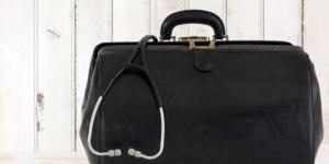 Werbung für Facharzt ohne fachzahnärztliche Eignung ist möglich - Gesundheitswesen